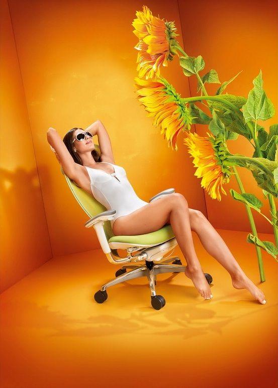 OKAMURA SABRINA SMART White Body Mango Yellow Chair